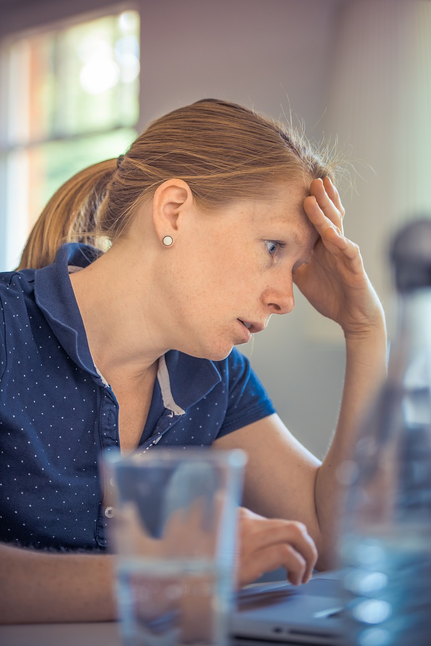 Ansia Lavorativa Donna Con Computer